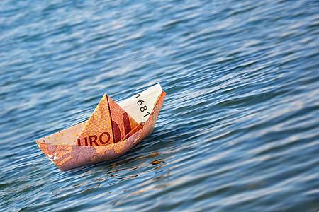Rettungsboot Kreditverlängerung [© Octavus - Fotolia.com]
